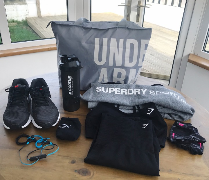 7 Gym Bag Essentials