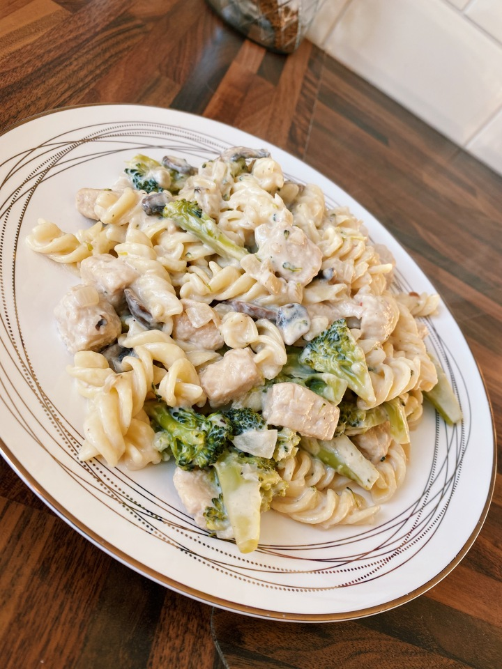 Creamy Chicken, Mushroom & BroccoliPasta